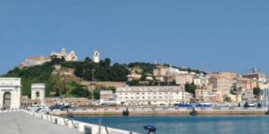 Passeggiata al porto di Ancona